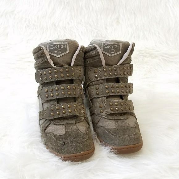 d97cd608ed7c ... green wedge sneakers 7. M 5a6238ce72ea885803d187a4